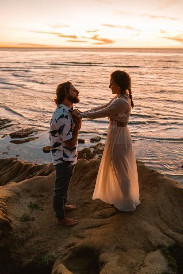 6 Romantic Fall Proposal Ideas We're Loving